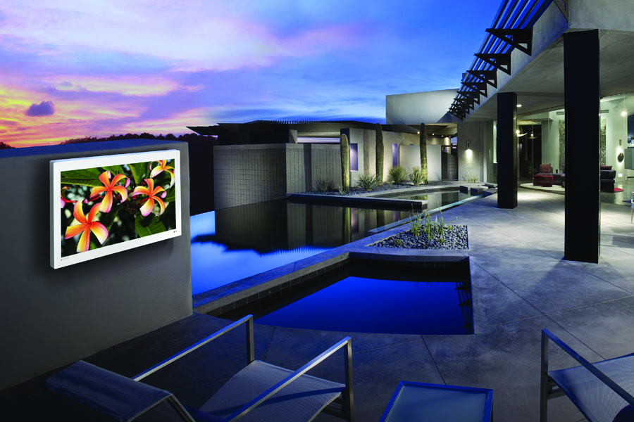 Bring Your Favorite Media Under The Sun With Outdoor Entertainment